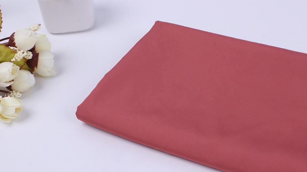 羽绒服涤纶面料