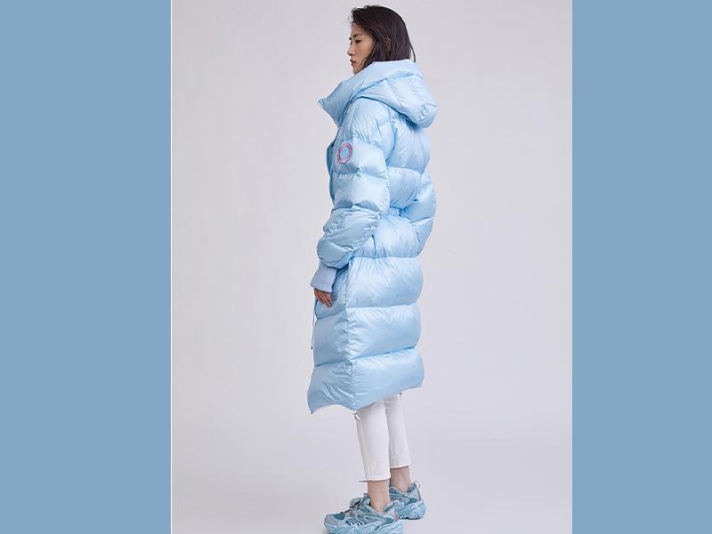 冰蓝色 轻薄羽绒面料